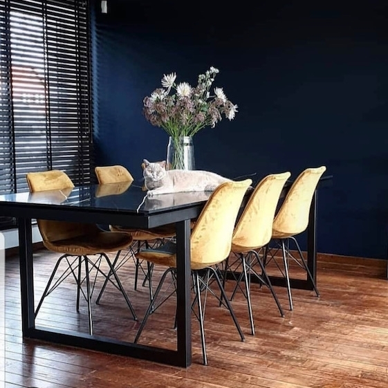 kick-tafel&velvet chair